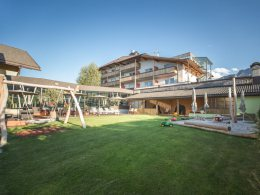 Famelí - small family & spa resort dolomites **** s