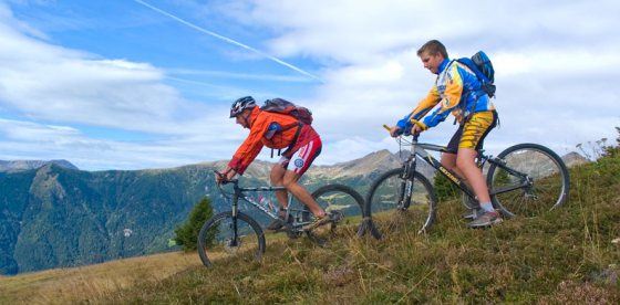 Individuali giorante al Mountain-Bike